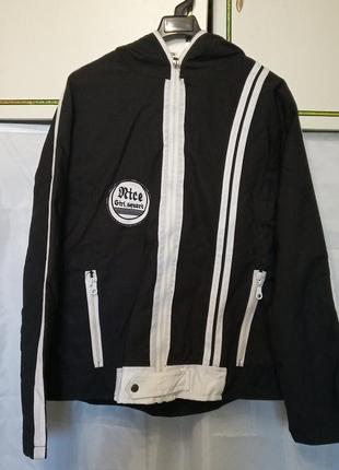 Женская тонкая ветровка с капюшоном куртка. 2 кармана на змейке. ткань плащевка. турция