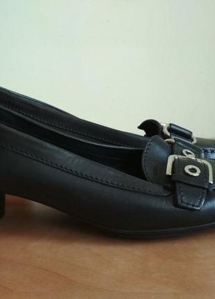 Кожаные туфли geox р.39