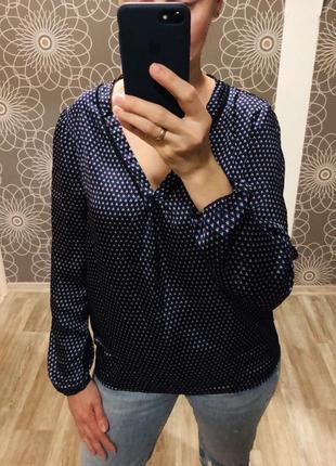 Красивая блуза yessica