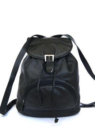Городской рюкзак из натуральной кожи.