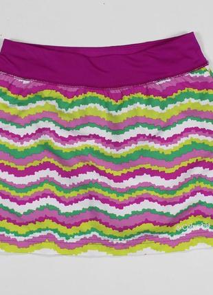 Яркая спортивная юбка с вшитыми компрессионными шортами от columbia