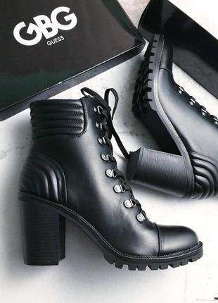 Guess оригинал черные ботинки на широком каблуке и шнуровке2 фото
