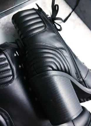 Guess оригинал черные ботинки на широком каблуке и шнуровке4 фото