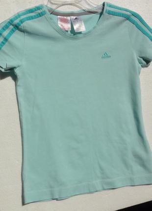 Adidas. спортивная футболка на 11-12 лет. оригинал.