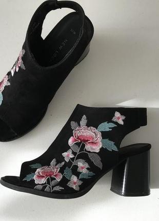 Шикарные босоножки с вышивкой 35-36р. 23,5см. new look англия 🏴