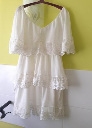 Красивое платье с кружевом от h&m