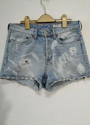 Короткие джинсовые шорты на средней посадке, m