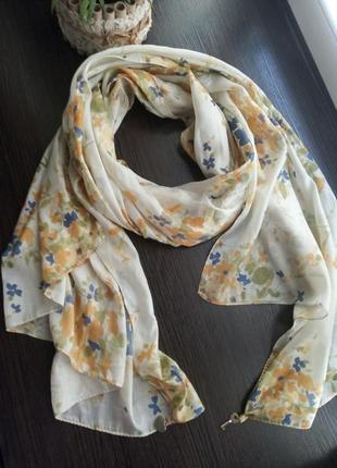 Шёлковый платок шаль шарф в цветочный принт.