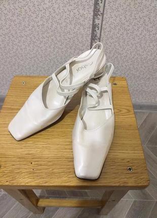 Туфли. босоножки.