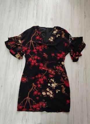 Распродажа до 1 мая🆘 черное платье с цветами и короткими рукавами с рюшами