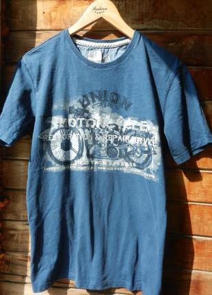 Натуральная футболка в идеальном состоянии