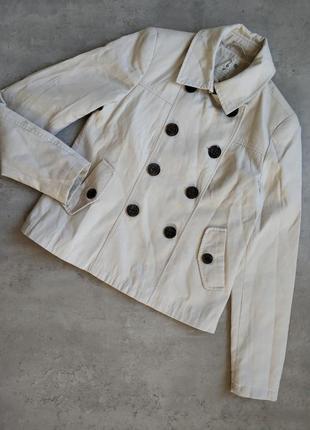 Шикарное бежевое пальто