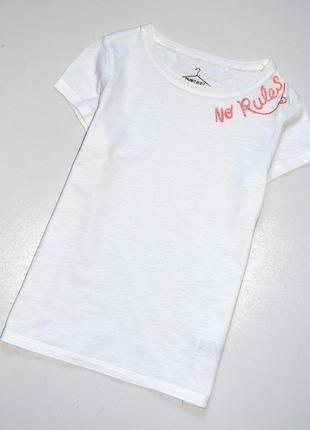 """Next . белая футболка с надписью """" без ограничений"""". 9 лет . рост 134 см. хлопок"""