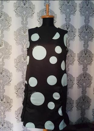 Брендовое итальянское шелковое платье футляр с карманами в горох .8! point huit