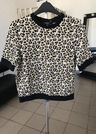 Нереально крута та стильна футболка від jennyfer
