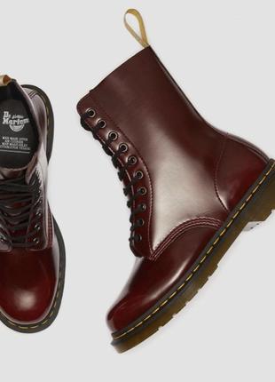 Новые ботинки от dr.martens