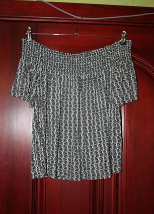 Трикотажная блузка на плечи разм. м от h&m