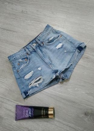 Джинсовые шортики divided на миниатюрную девушку