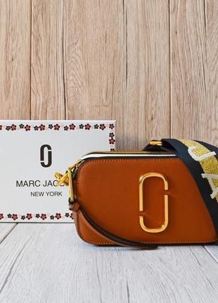 Женская коричневая сумочка в стиле marc jacobs snapshot