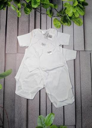 Комплект из трех белых детских бодиков чистый хлопок