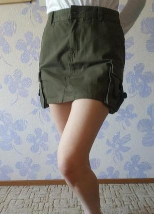 Джинсовая мини-юбка с карманами bershka