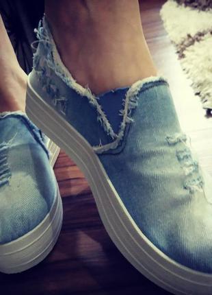 Классные джинсовые слипоны