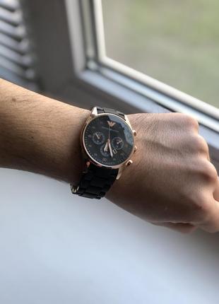 Мужские наручные часы черного цвета