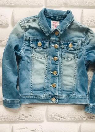 F&f стильная джинсовая трикотажная куртка на девочку 4-5 лет