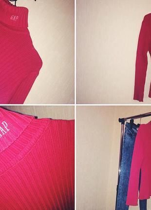 Красный свитер gap