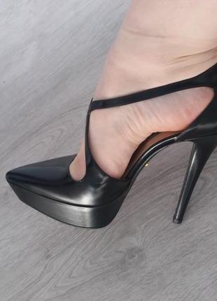 Крутезне взуття від світового бренду
