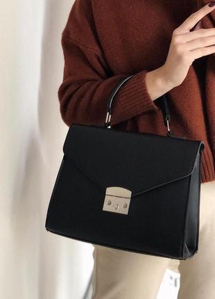 Базовая удобная сумка кроссбоди (есть цвета )