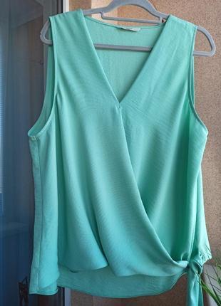 Красивая летняя нарядная блуза мятного цвета