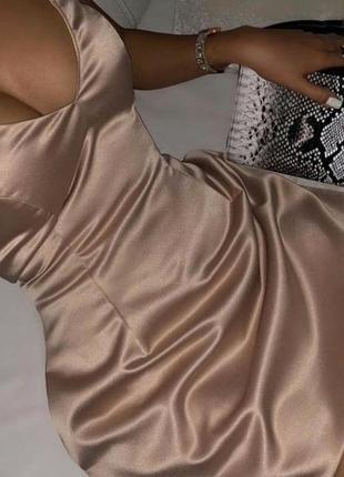 Атласное платья в белевом стиле