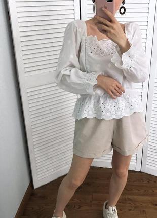 Розкішна вишита блузка з натуральної тканини5 фото