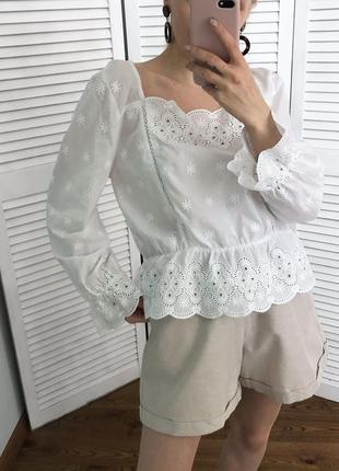 Розкішна вишита блузка з натуральної тканини6 фото