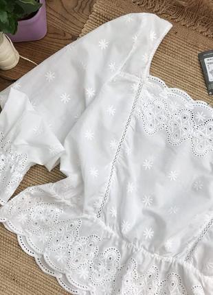 Розкішна вишита блузка з натуральної тканини4 фото