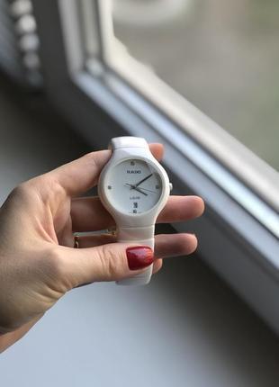 Часы женские керамические белого цвета