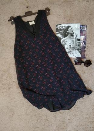 Красивое платье трапеция с воротником и v-образным вырезом/сарафан