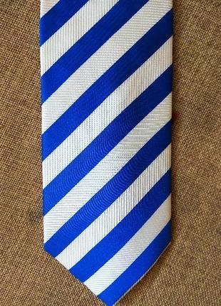 Итальянский галстук lorenzo guerni из натурального шелка.