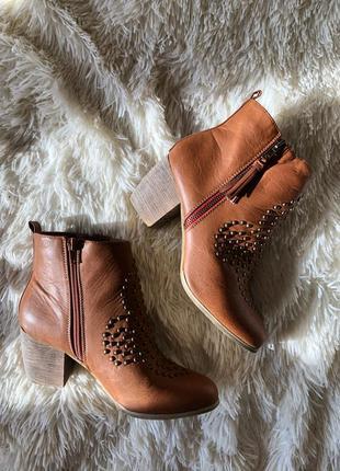 Новые трендовые коричневые ботинки казаки salt&pepper размер 38, 5 uk