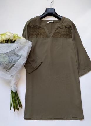 Легкое платье хаки прямого кроя