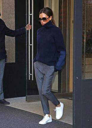 Armani jeans классические тонкие брюки , свободного кроя,серые