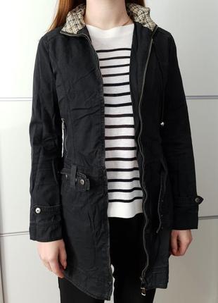 Куртка удлиненная с капюшоном на замке