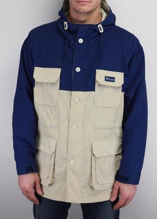 Фирменная куртка ветровка
