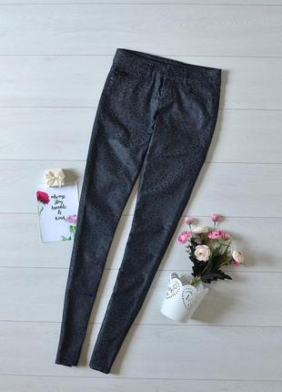 Красиві джинси з узором