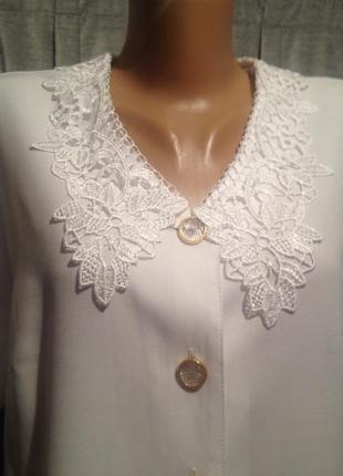 Красивая блузочка с кружевным воротником 424