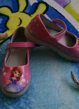 Светящиеся туфли для девочки 26р