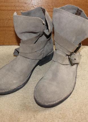 Замшеві черевики mng