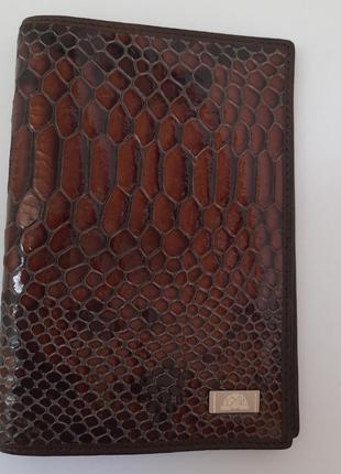 Обложка на паспорт tony perotti