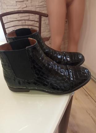 Лаковані черевички varese